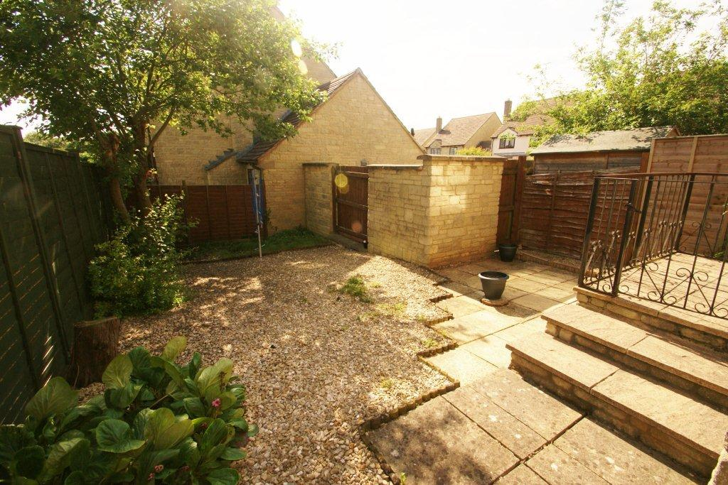 Enclosed Bed Google Search: 2 Bed Linked Terrace, Enclosed Rear Garden & Lock-up