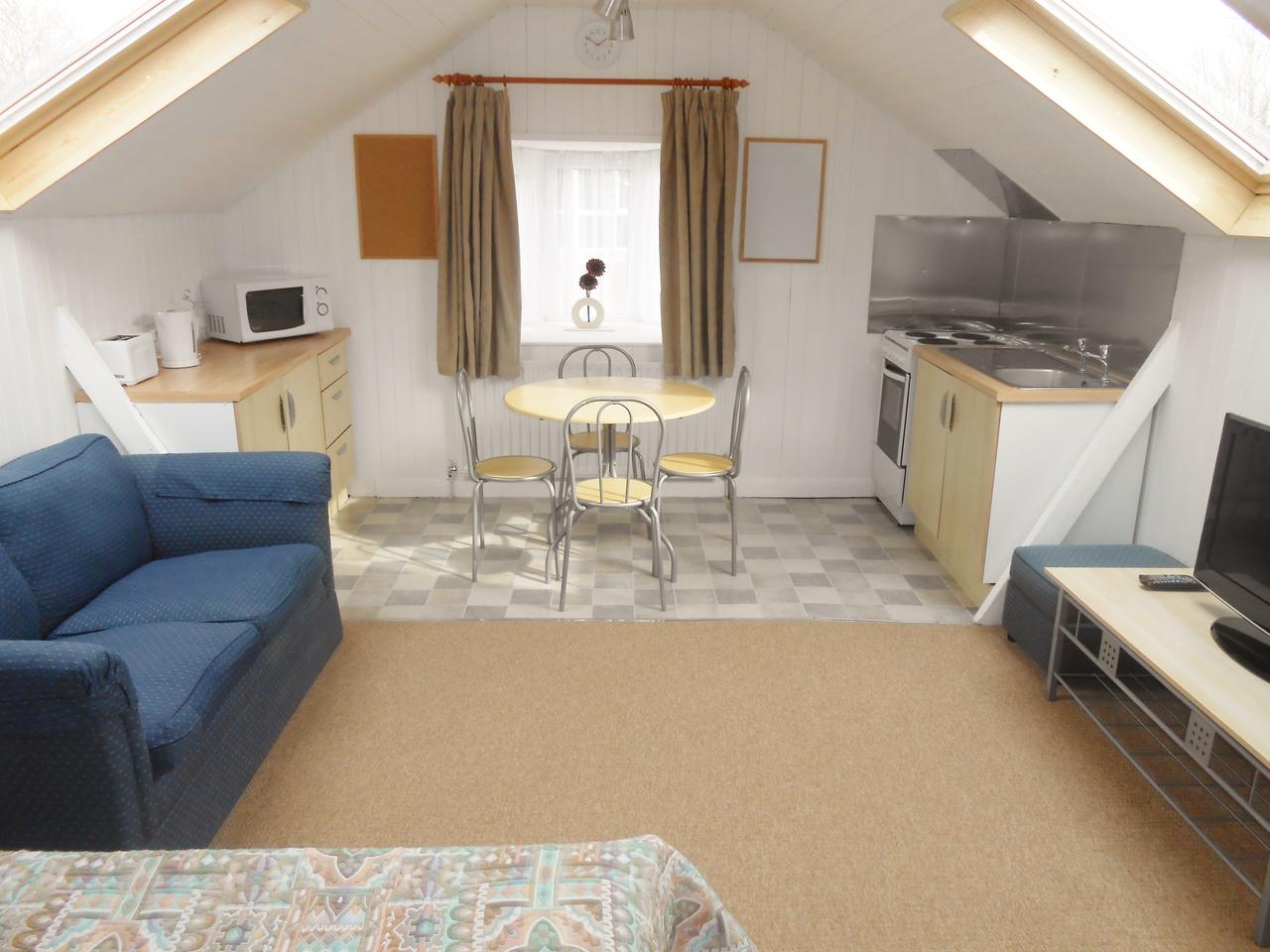 lovely furnished studio flat in uxbridge including bills