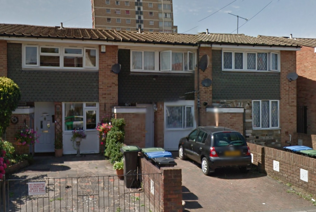Three Bedroom Mid Terraced In Enfield The Online Letting