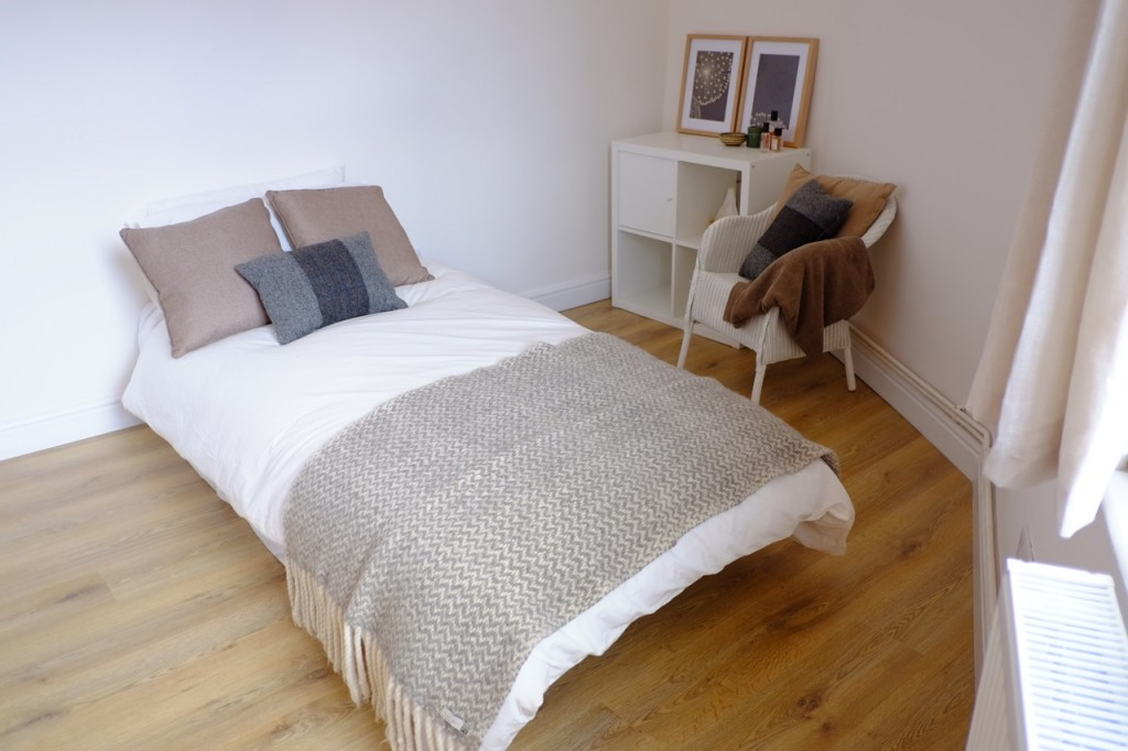 Exceptional beautifully renovated 2 bedroom apartment in ...