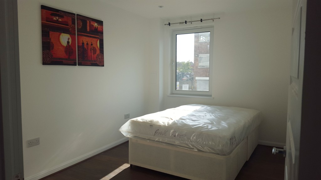 Brand New 1 Bed Luxury Apartment In West Central Slough Sl2 5pe The