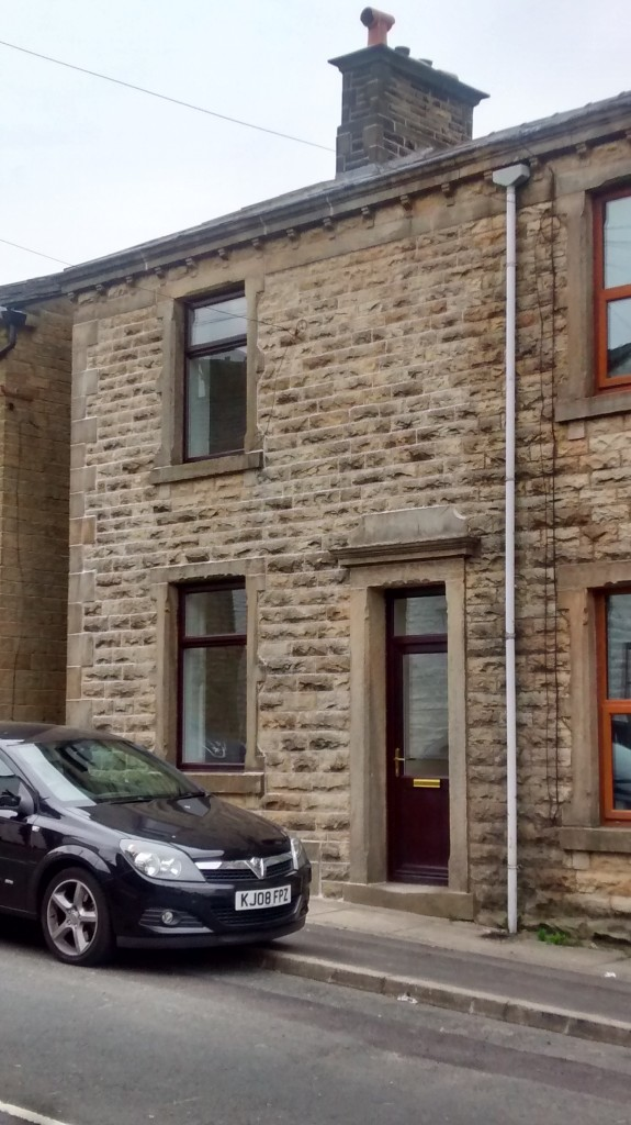 Spacious 2 Bedroom End Of Terrace House To Let In Weir