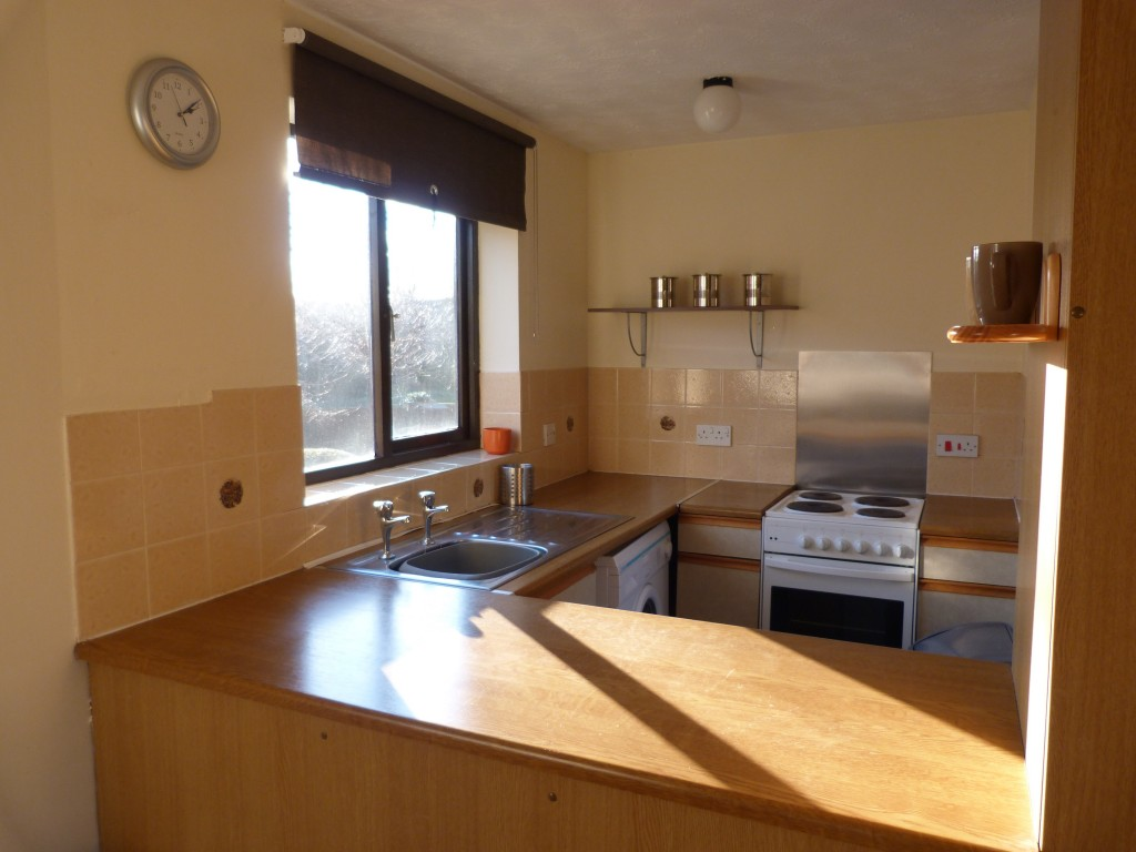 One Bedroom Flat To Rent In Castle Gardens Close To Qmc