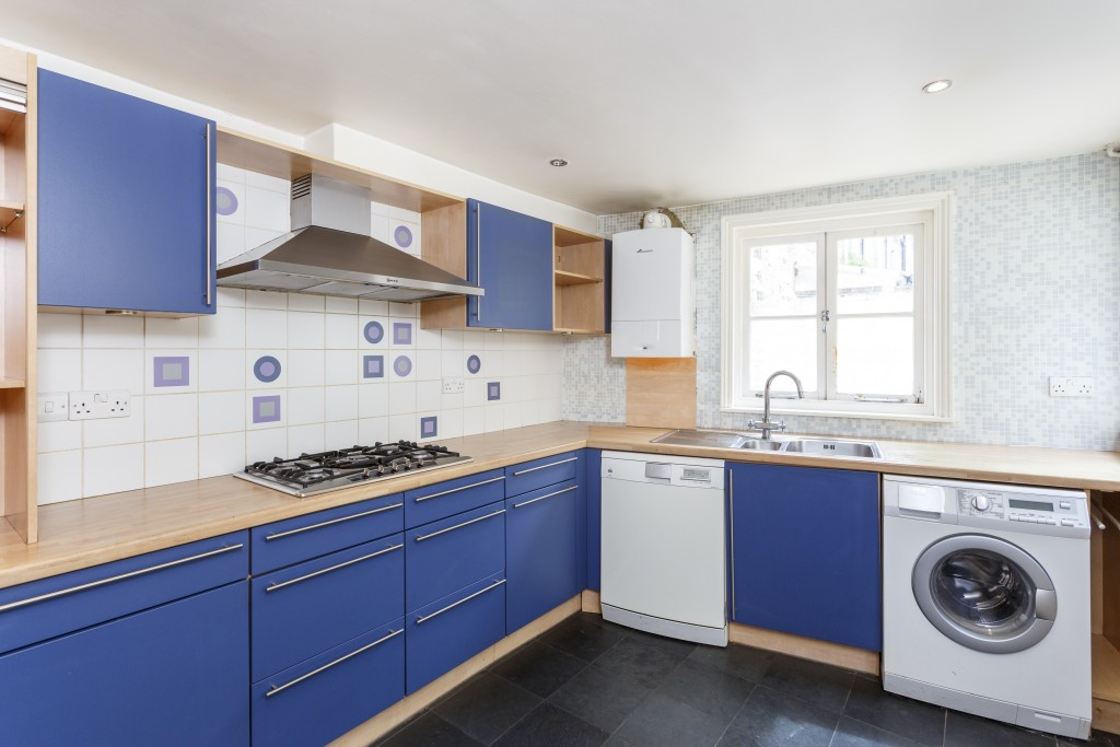 lovely 3 bed house in sw11 with roof terrace patio the online