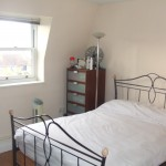 Great Two Bed Flat Next to Hollow Ponds, E11