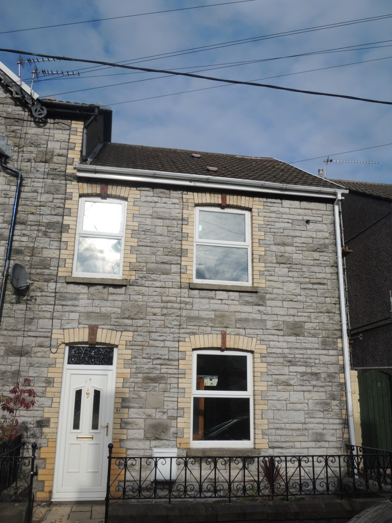Well Presented 3 Bedroom House In Pontyclun The Online Letting Agents Ltd