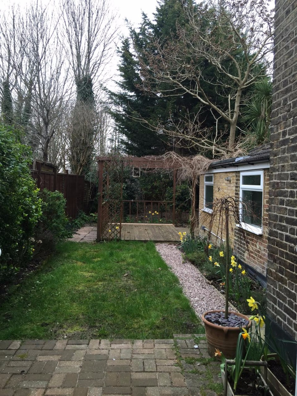 Large recently decorated victorian conversion flat in for Garden conversion