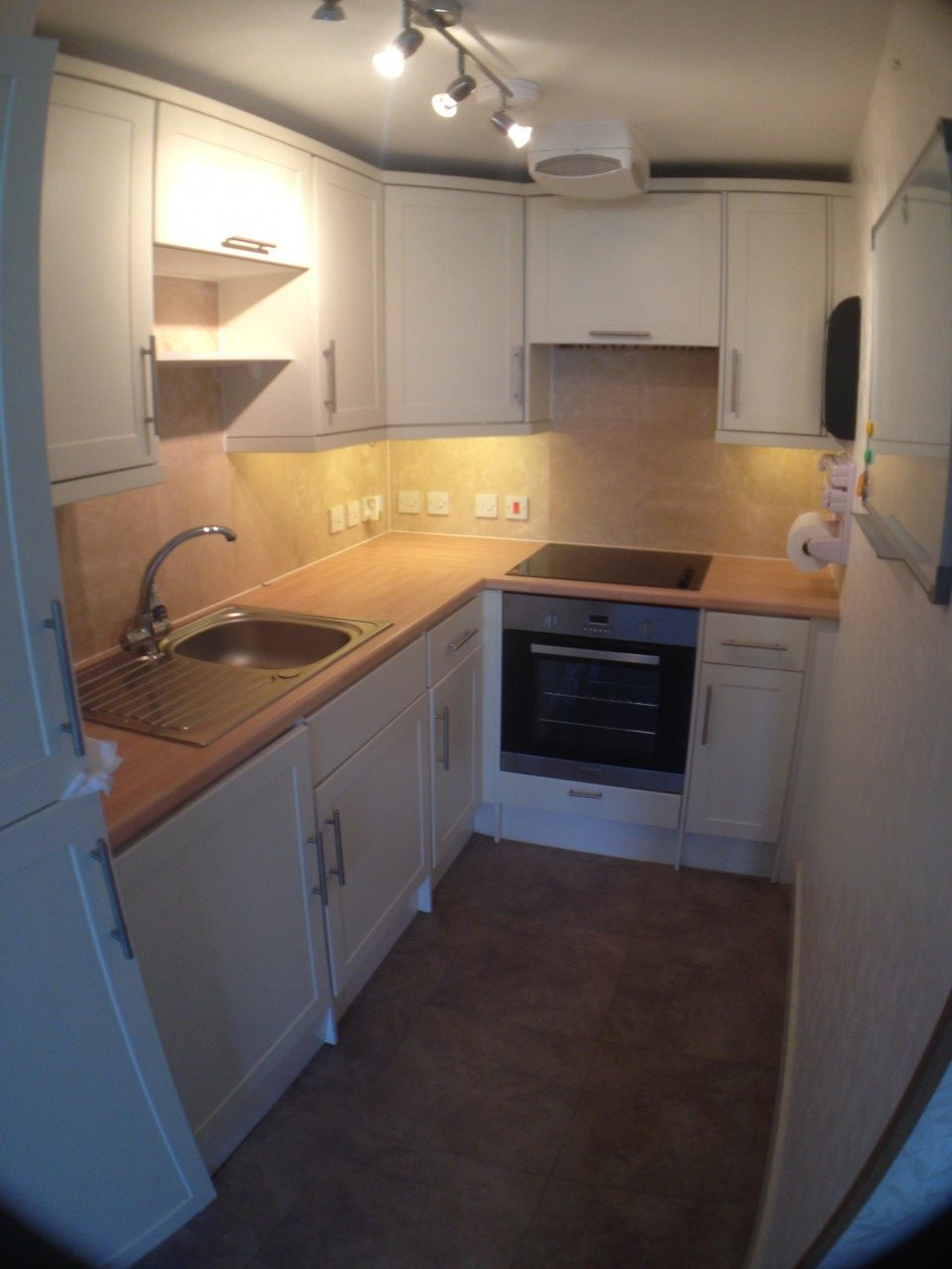 Two bedroom apartment on the edge of the centre of taunton - 2 bedroom apartments in taunton ma ...