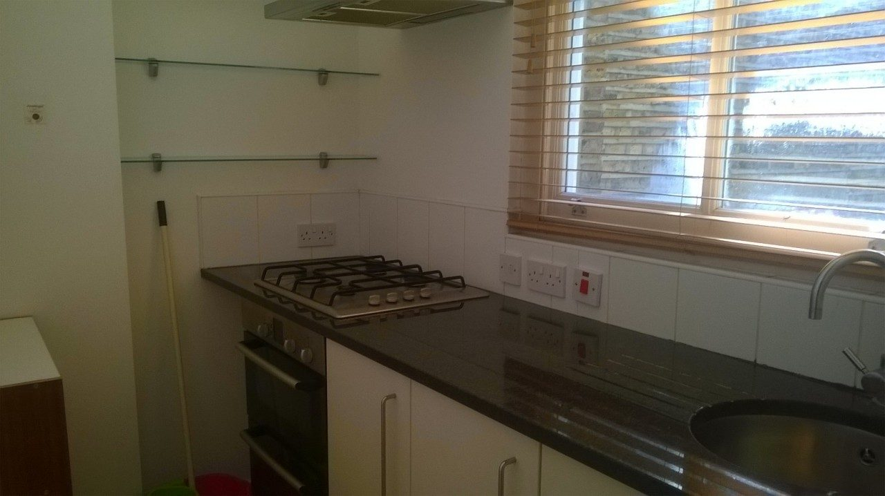 2 Bed Flat To Let On Lavender Hill Sw11 Great Location