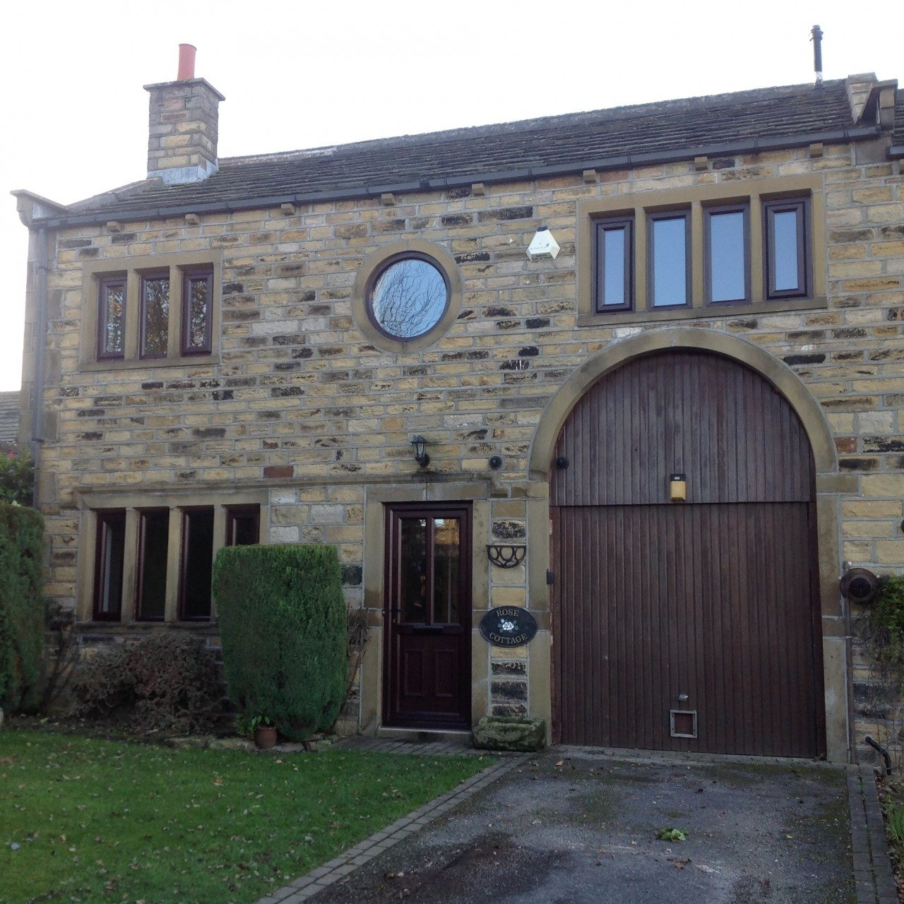 Find House Rentals: 3 Bedroom House To Rent In Stocksmoor, Huddersfield