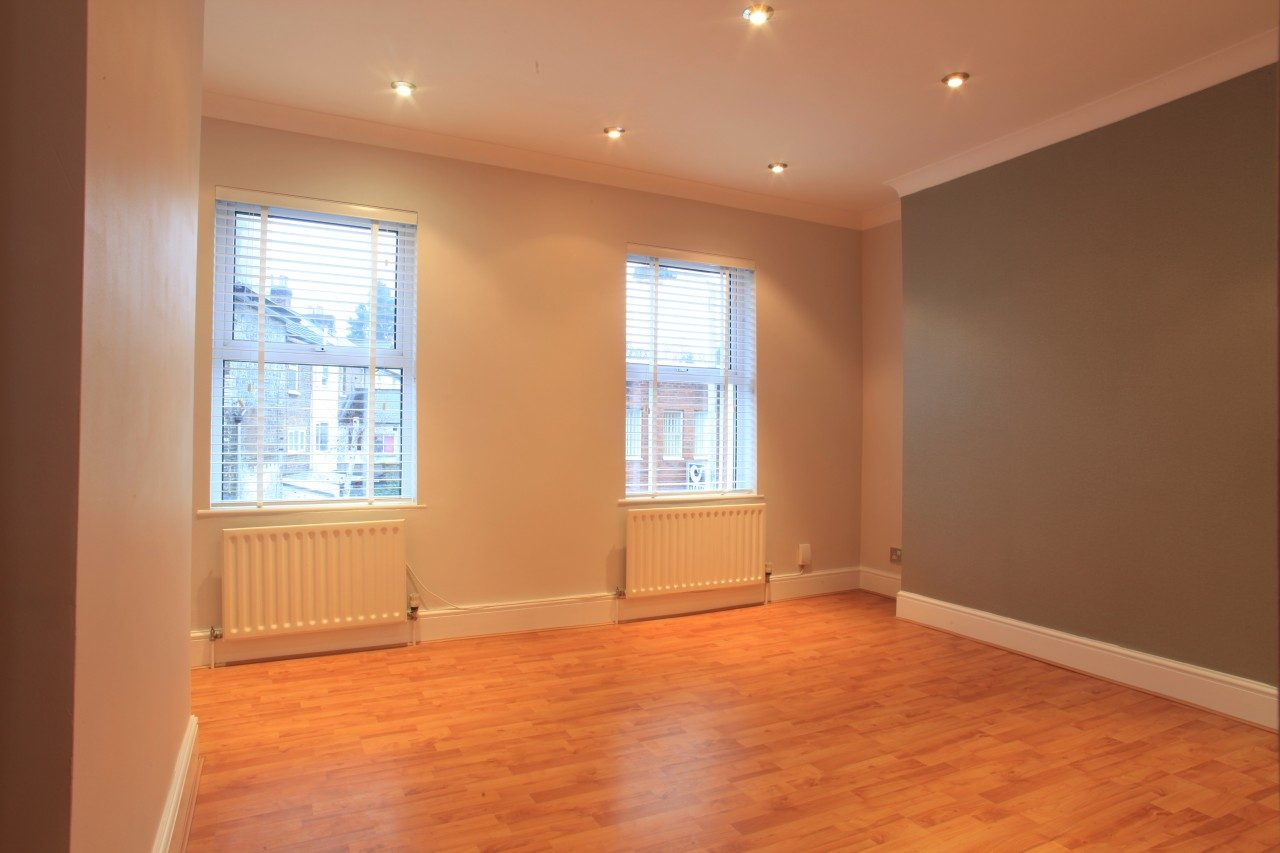 Extensively Renovated Victorian 3 Double Bedroom Townhouse