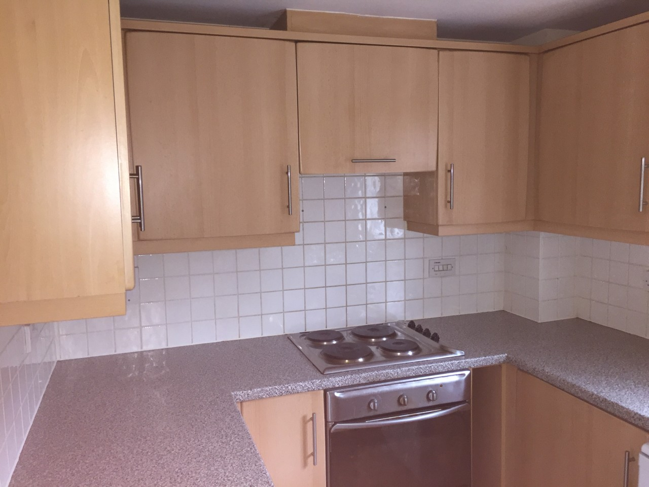 Kitchen Tiles High Wycombe spacious 2 bedroom flat to rent in high wycombe - the online