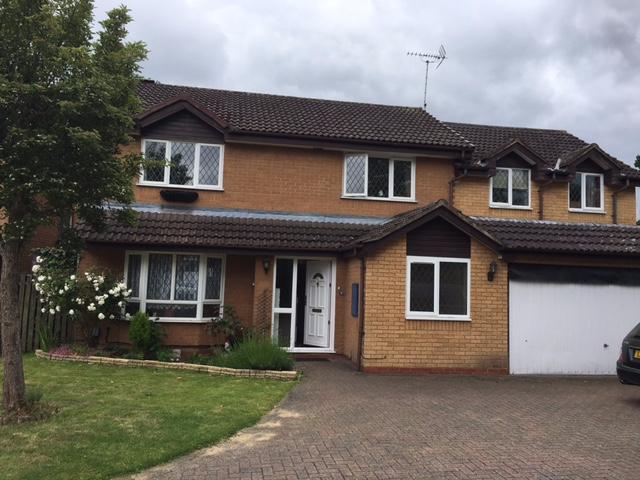 Luxury 5 Bedroom House For Rent In Farnborough