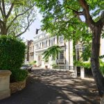 Luxury, Large and Bright 1 Bedroom Apartment with Terrace to Let in Holland Park