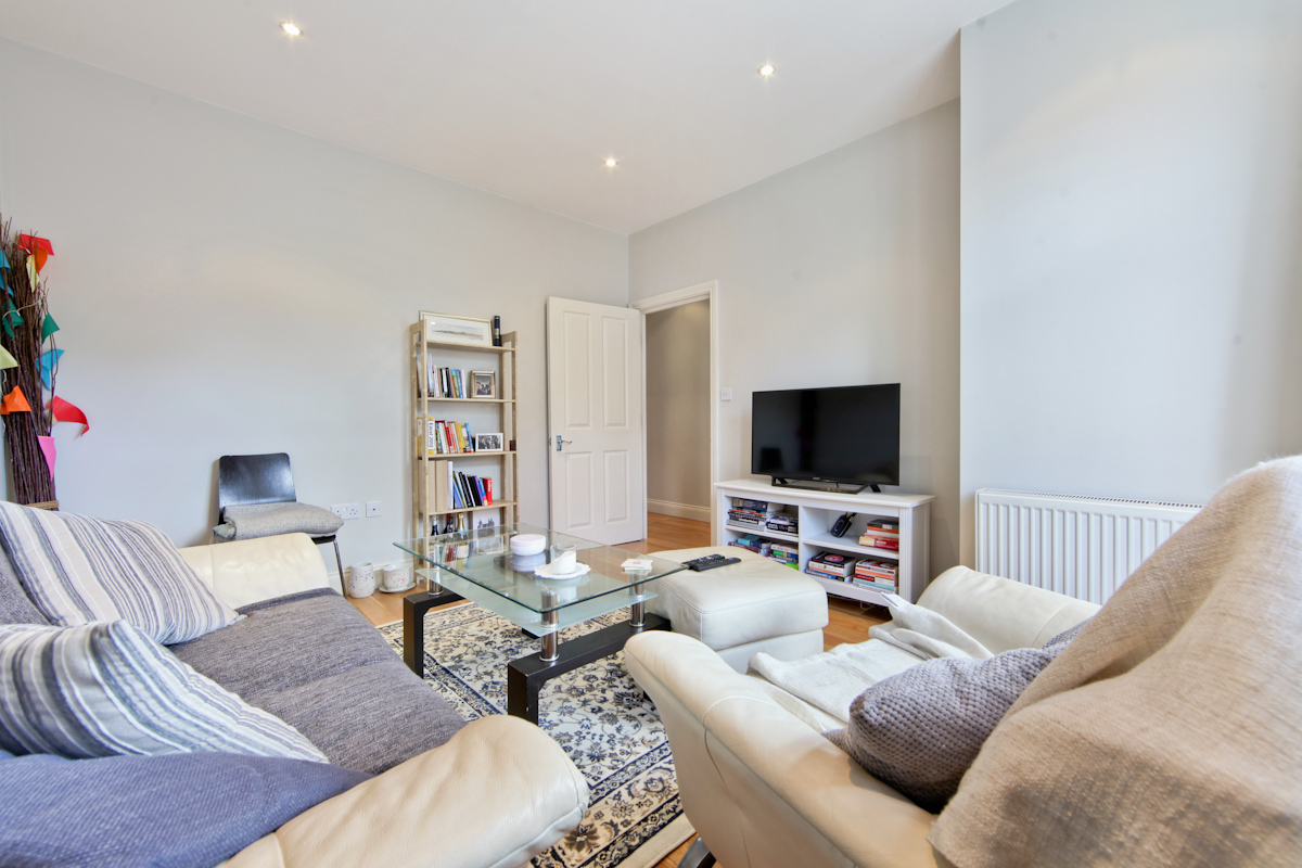 Two Bedroom Apartment To Rent In Chiswick The Online Letting Agents Ltd