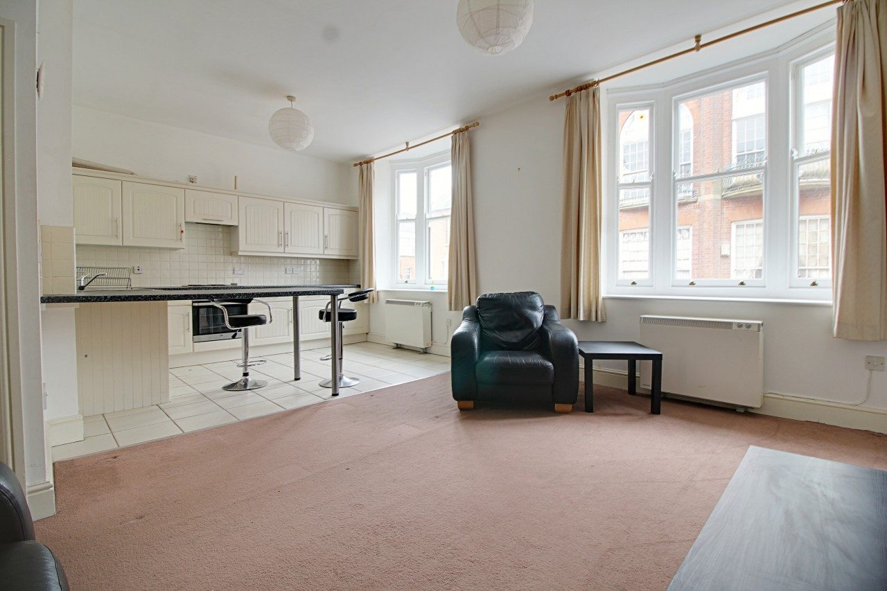 Spacious one bedroom apartment to let with private balcony the online letting agents ltd for Spacious one bedroom apartment
