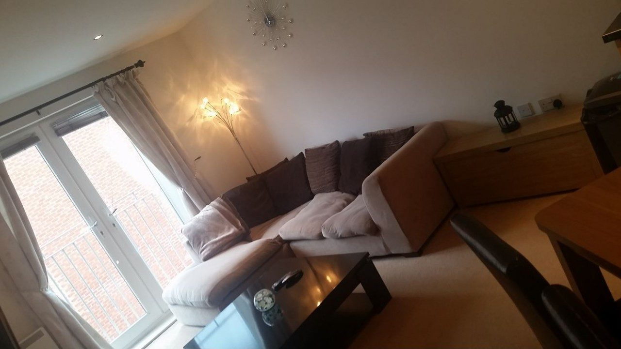 Spacious 2 Bedroom Apartment To Let In The Sought After Saltra Development In Salford Quays