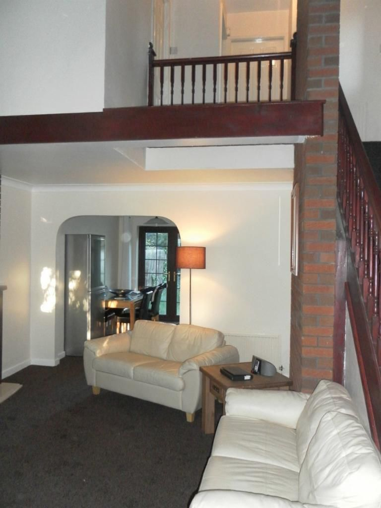 Chalet Style Designer House To Rent In Salford The