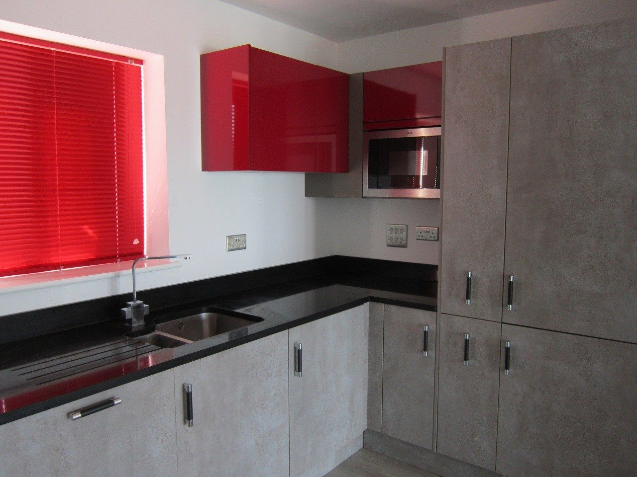Luxury 2 Bed 2 Bath Apartment - The Online Letting Agents Ltd