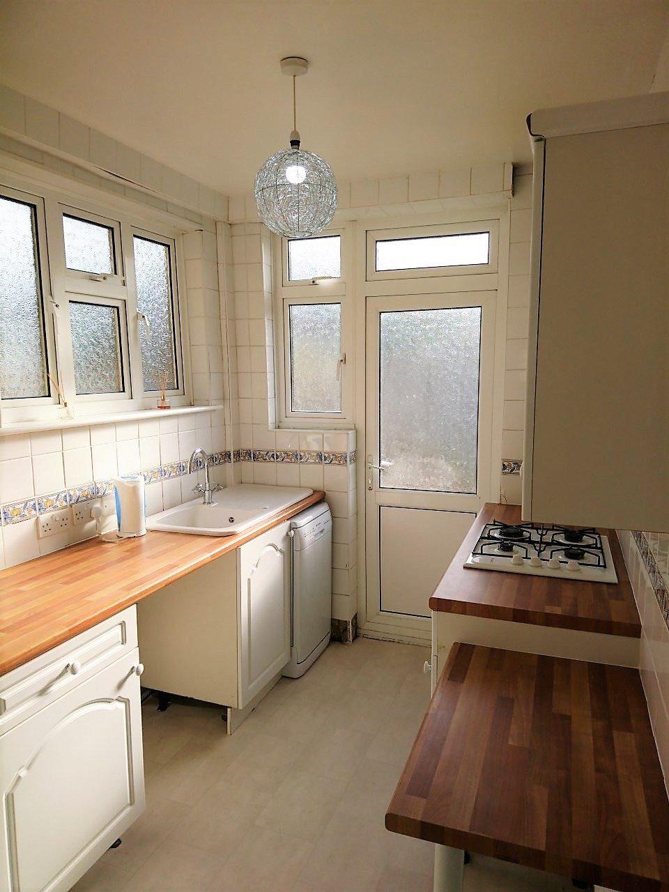 Three Bedroom House In Quiet Cul De Sac To Let In Wembley