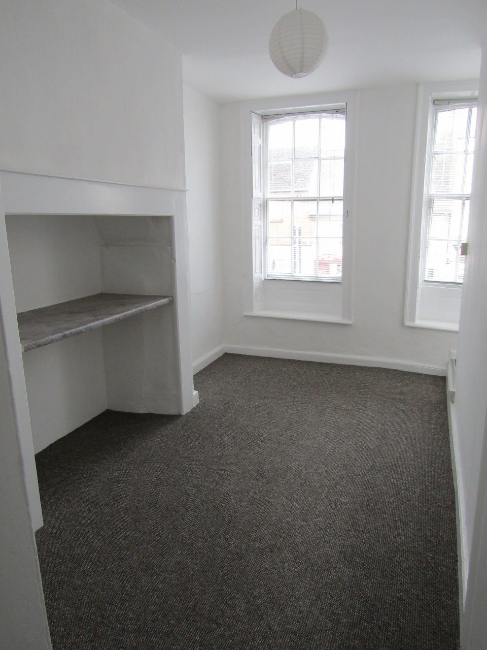 Two Bedroom Flat To Rent In Wellington High Street The