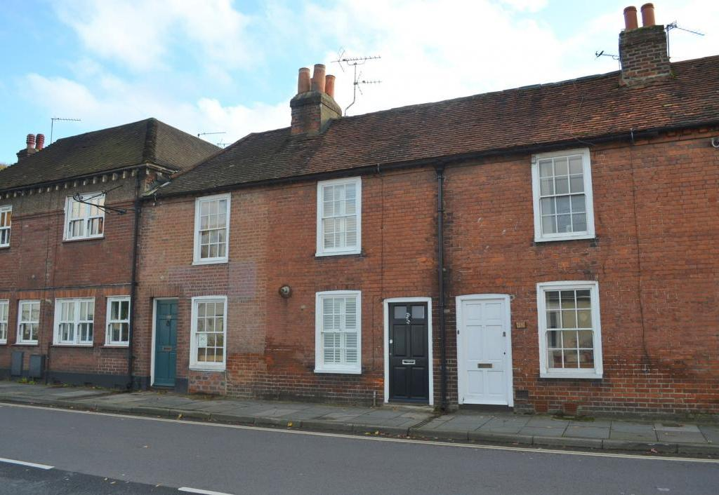 Victorian Terrace House To Rent On City Wall In Chichester