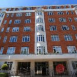 Spacious Bright ONE BED APARTMENT (4th Floor) with Communal Garden, Porter, Gas & Hot Water in St Johns Wood NW8