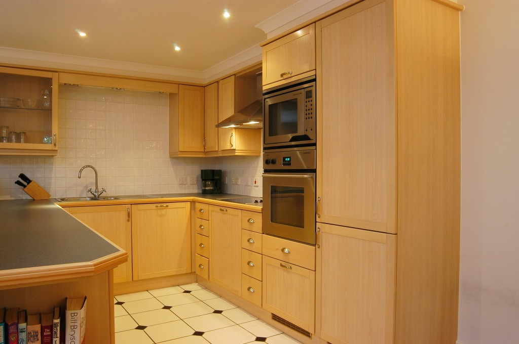 2 Bed Apartment Situated In A Premier Position On Chiswick