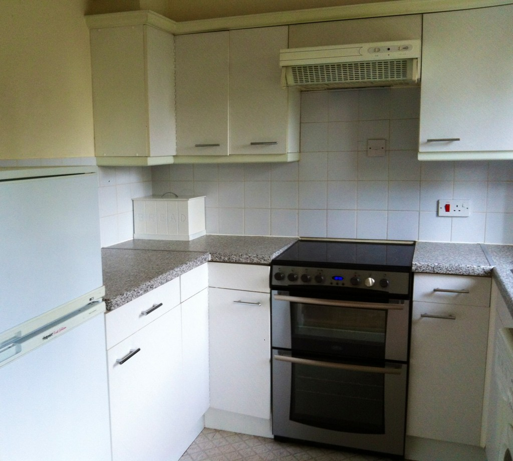 Modern one bed flat in romford the online letting agents ltd for Kitchen 919 reviews