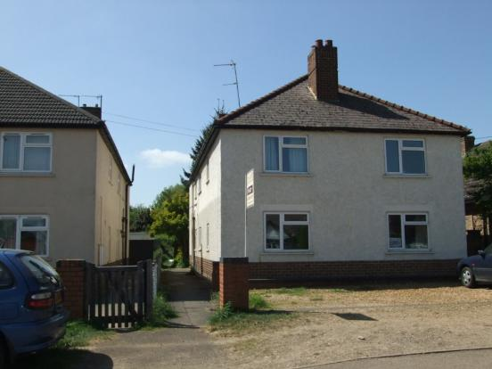 2 Bed Flat Property House Broughton Kettering
